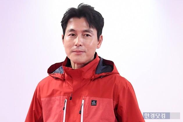 [HK영상] 정우성, 말문 막히게 만드는 잘생김…'멋지다~' (세로직캠)