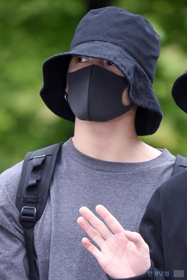 [HK영상] 방탄소년단, '빡빡한 스케줄에 피곤해 보이지만, 그래도 멋있어~'