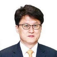 [오형규 칼럼] 한국 정치의 '초인적 어리석음'