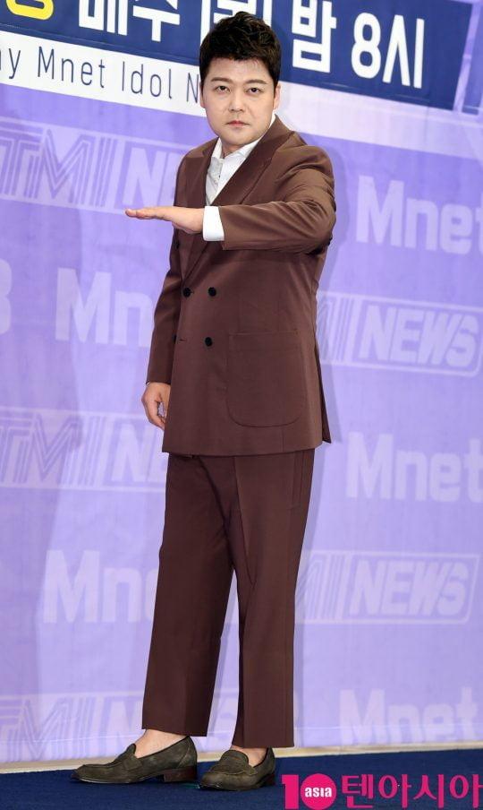 방송인 전현무가 25일 오전 서울 상암동 스탠포드호텔 서울에서 열린 Mnet 제작발표회에 참석하고 있다.