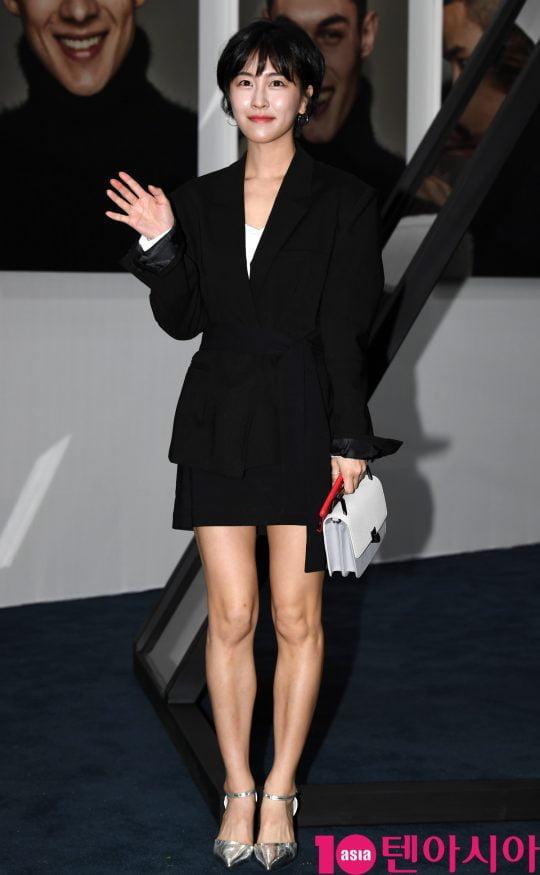 배우 박민지가 25일 오후 서울 성수동 2가 성수동 S팩토리에서 열린 티아이포맨, 리브랜딩 패션쇼 개최 기념 포토월 행사에 참석하고 있다.