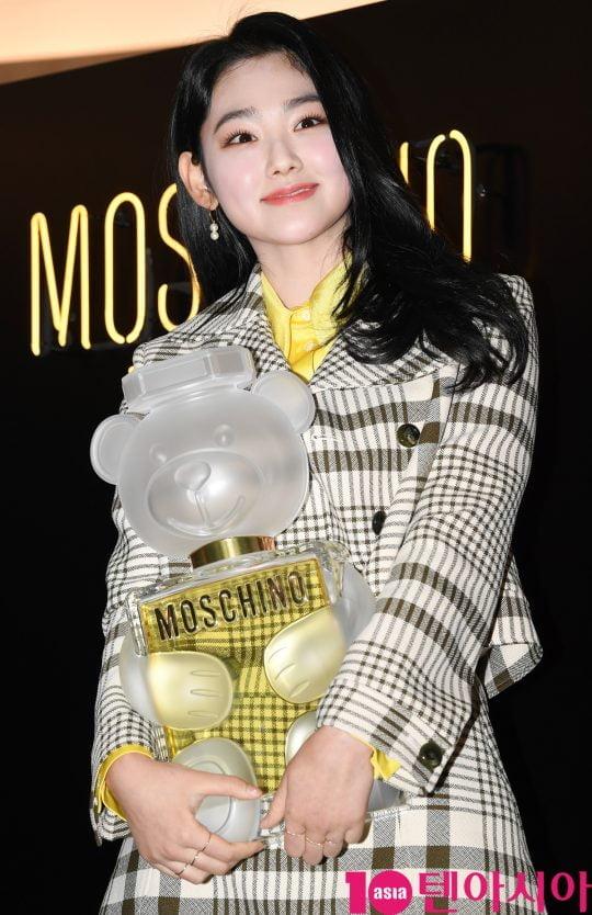 걸그룹 구구단 미나가 26일 오후 삼성동 파르나스몰 모스키노 팝업스토어에서 열린 모스키노향수 'TOY2' 런칭 행사' 에 참석하고 있다.