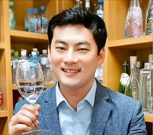 """김하늘 이사 """"고급물 소비 유행…물 연구 발전가능성 무궁"""""""