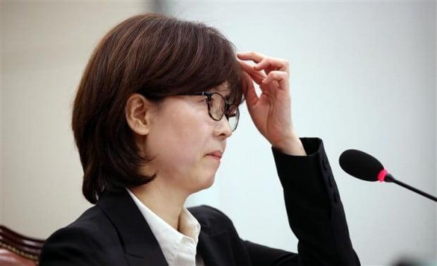 이미선 헌법재판관 후보자, 부적격 '54.6%'…적격 '28.8%'