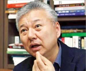 """홍성국 전 미래에셋대우 사장 """"벤처기업 육성 절박함이 '수축사회' 막을 것"""""""
