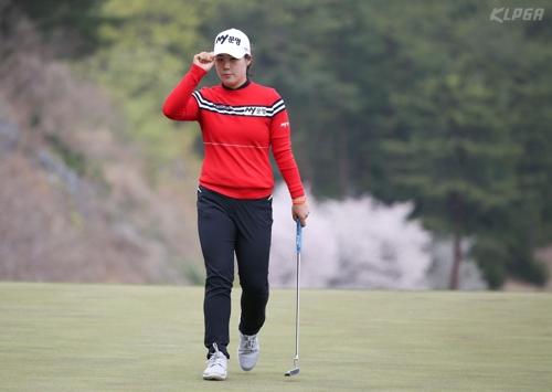 조정민, 마지막 4개 홀서 버디 3개…셀트리온 대회 역전 우승