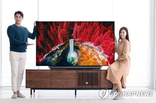"""""""이사·혼수 수요 잡아라""""…삼성·LG, TV 프로모션 '맞불'"""