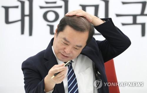 경찰, 김병준 골프접대 관련…함승희 전 강원랜드 사장 소환조사
