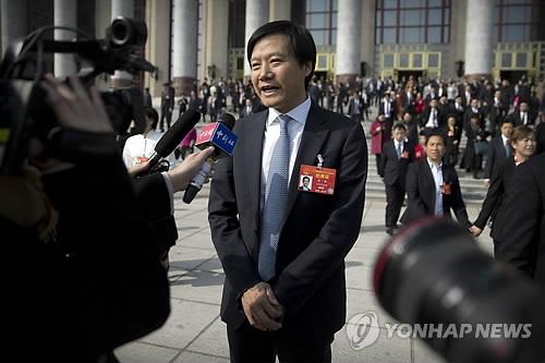 """샤오미 창업자 레이쥔 1조1000억원 주식 보상…""""전액 기부"""""""