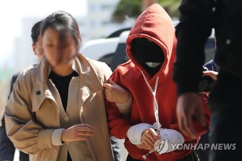 경찰, 황하나 10시간 조사…'부실수사 의혹' 규명 집중