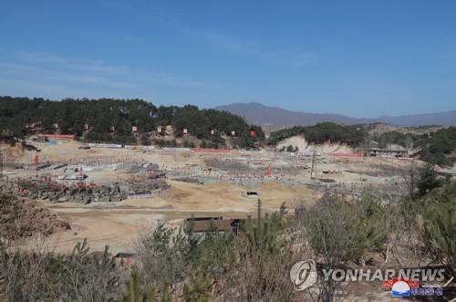 北김정은, 원산갈마·양덕온천지구 건설현장 시찰…또 경제행보