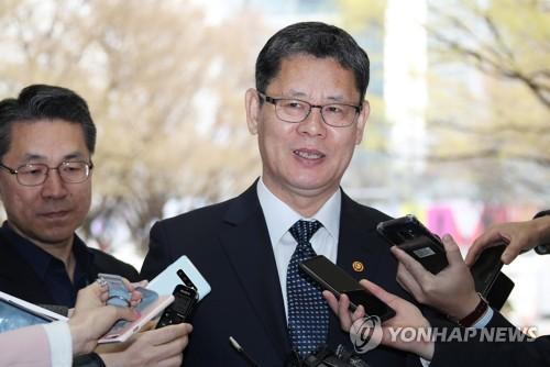 김연철, 취임 후 첫 정책행보는 '이산가족'…내주 한적방문 조율
