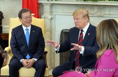 文대통령, '核중재' 대북특사 파견 방침…언제 누굴 보낼지 고심