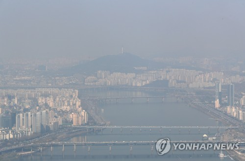 [날씨] 구름 많고 기온 평년과 비슷…수도권 미세먼지 '나쁨'