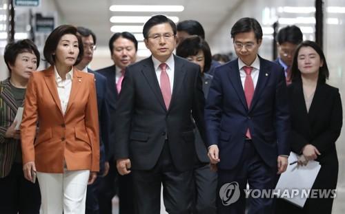 한국당서 커지는 '박근혜 석방론'…황교안, 공론화 전면에