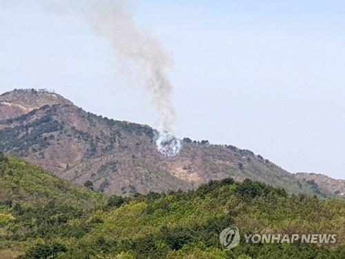 강원 고성 전방 DMZ 북측구역서 산불…남쪽 번지지 않고 꺼져