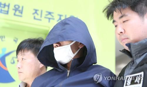 경찰, 아파트 방화살인 피의자 안인득 실명·얼굴 공개한다
