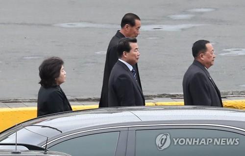 김정은 전용차 동승 리용호·최선희, 北외교 '실세' 재확인