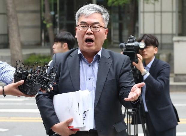 김수민 작가를 대리한 박훈 변호사 /사진=연합뉴스