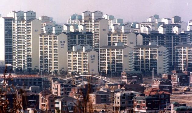 경기 일산신도시의 한 아파트 단지. 한경DB