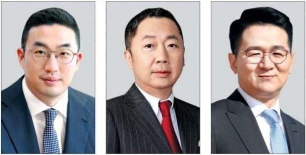 2019 공시대상기업집단. 왼쪽부터 구광모 LG 회장, 박정원 두산 회장, 조원태 한진칼 회장. < 한경DB >