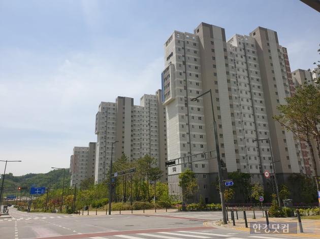 세종시 4-2생활권 인근의 3-3생활권 아파트. 지난해부터 올해까지 입주가 한창이다. (사진 김하나 기자)