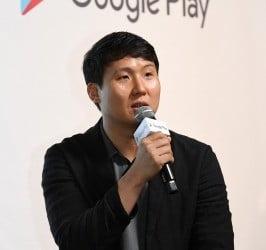 에브리에어' 개발사 SK텔레콤 박민우 팀장이 에브리에어 앱 비즈니스 향후 계획을 공유하고 있다.