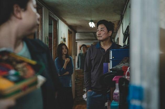봉준호 감독 영화 '기생충', 심화되는 빈부격차 다룬 블랙코미디