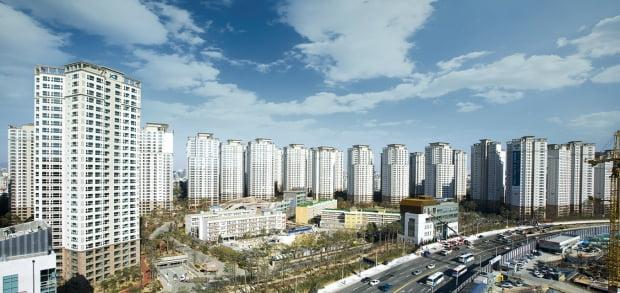 서울 반포동 '반포자이'. 이 단지엔 강남권에서 처음으로 장기전세주택이 공급됐다. 한경DB