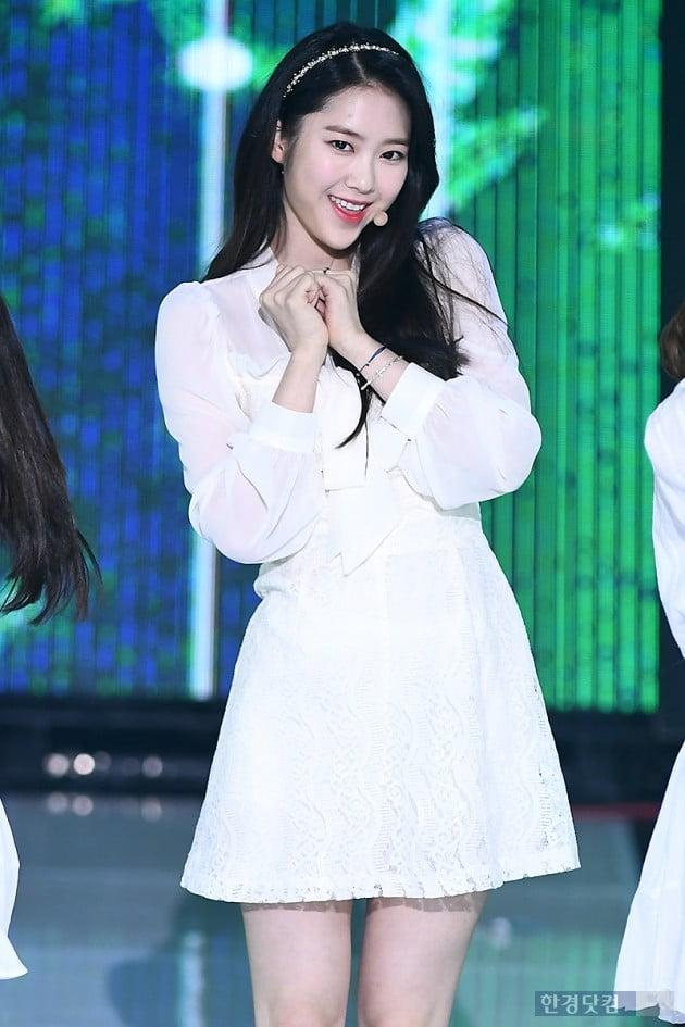[포토] 오마이걸 지호, '감탄을 부르는 예쁜 미소'