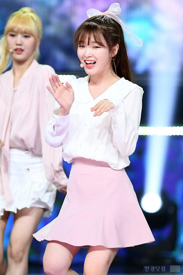 [포토] 오마이걸 승희, '볼수록 기분 좋아지는 미소~'