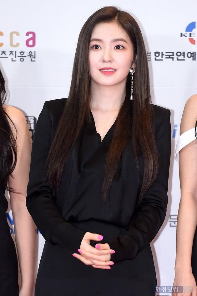 [HK영상] 레드벨벳 아이린, 눈부신 인형 미모…'아름다워~' (세로직캠)