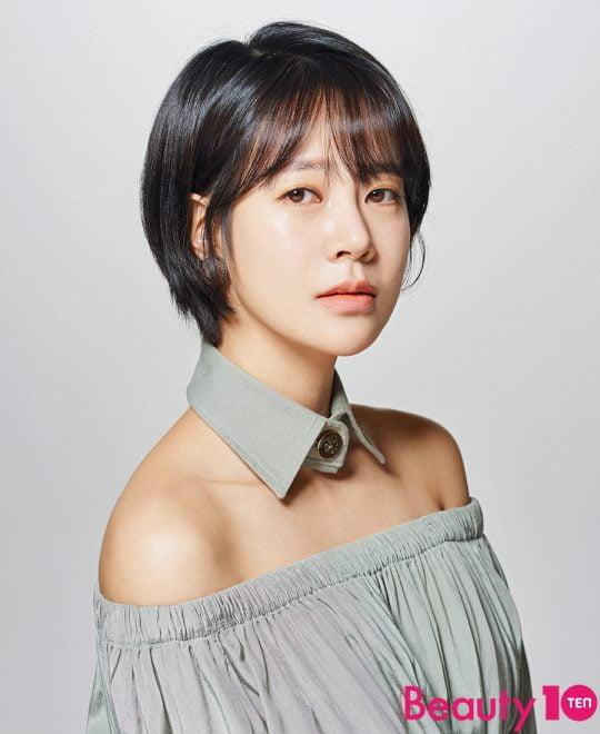 영화 '0.0MHz'에서 강령술로 인해 귀신에게 영혼을 사로잡히는 윤정을 연기한 배우 최윤영/사진=텐아시아DB