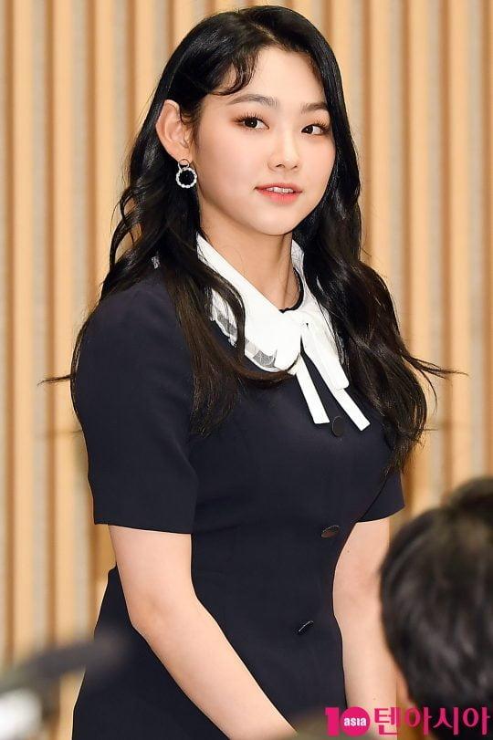 그룹 구구단 강미나가 10일 오후 서울 목동 SBS홀에서 열린 SBS 예능 '정글의 법칙 in 로스트 정글' 제작발표회에 참석하고 있다.