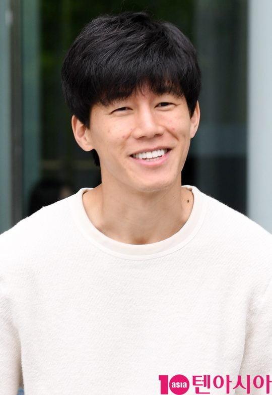 배우 김무열이 13일 오후 서울 목동 SBS본사에서 열린 영화 '악인전' 홍보차 SBS 파워FM 두시탈출 컬투쇼에 참석했다.