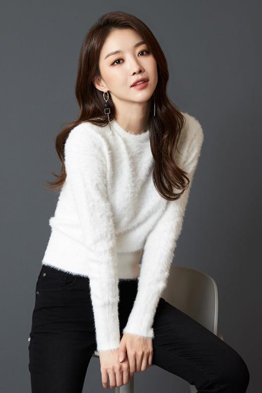 배우 장희진. / 제공= 헤비추얼