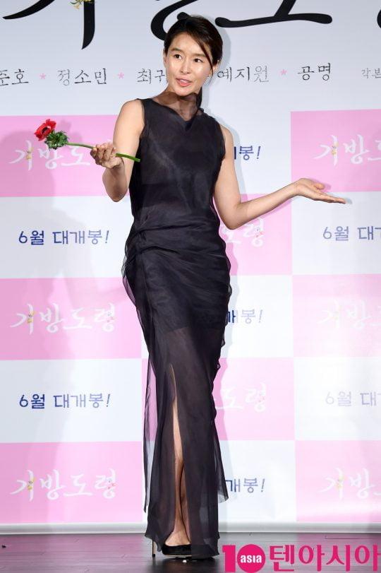 배우 예지원이 14일 오전 서울 중구 을지로 메가박스 동대문에서 열린 영화 '기방도령' 제작보고회에 참석하고 있다.