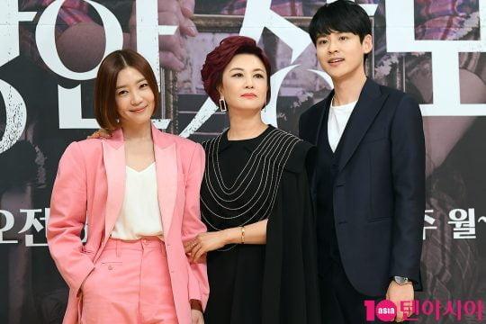 배우 신다은(왼쪽부터), 김혜선, 박진우