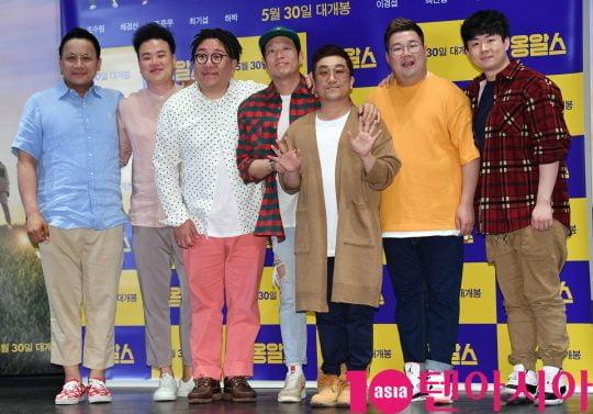 옹알스가 16일 오후 서울 광진구 자양동 롯데시네마 건대입구점에서 열린 영화 '옹알스' 언론시사회에 참석하고 있다.