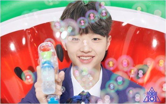 Mnet 아이돌 서바이벌 '프로듀스X101'에서 넘치는 끼를 보여주고 있는 손동표./ 사진제공=Mnet