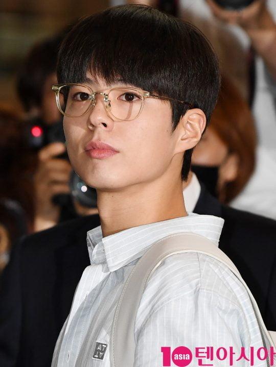 배우 박보검이 18일 오전 일본프로모션 참석 차 김포국제공항을 통해 일본으로 출국했다.