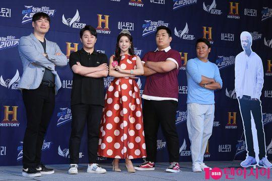 독고찬PD(왼쪽부터), 홍진호, 두리, 문세윤, 이재훈