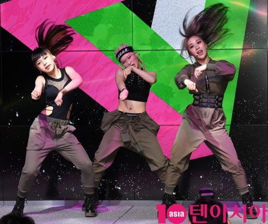 걸그룹 3YE(써드아이,유지, 유림, 하은)가 21일 오후 서울 강남구 삼성동 슈피겐홀에서 열린 디지털 싱글 'DMT(Do Ma Thang)' 데뷔 쇼케이스에 참석하고 있다.
