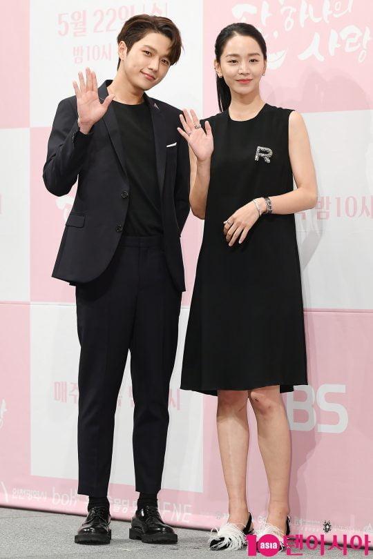 배우 김명수와 신혜선.