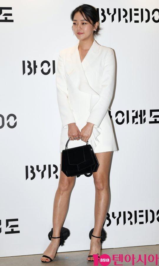 모델 강승현이 21일 오후 서울 신사동 애슐린 갤러리에서 열린 바이레도의 포토콜 행사에 참석하고 있다.