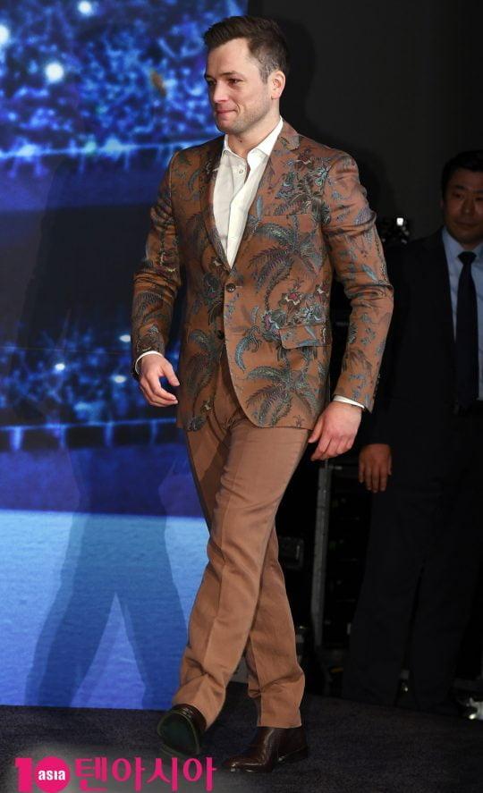 배우 태런 에저튼(Taron Egerton)이 23일 오전 서울 신천동 롯데시네마 월드타워에서 열린 영화 [로켓맨] 내한 기자간담회에 참석하고 있다.