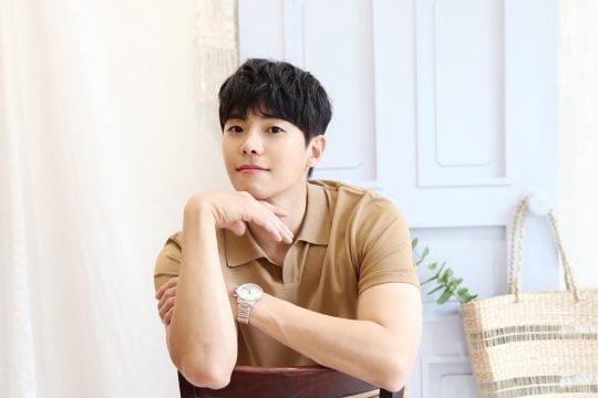 """박은석은 """"올해 여자친구를 꼭 만나고 싶다. 이상형은 귀가 큰 여성""""이라고 고백했다. / 사진제공=제이에스픽쳐스"""