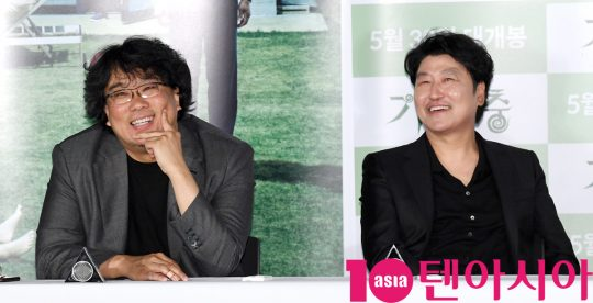 봉준호 감독(왼쪽)과 송강호/사진=텐아시아 DB