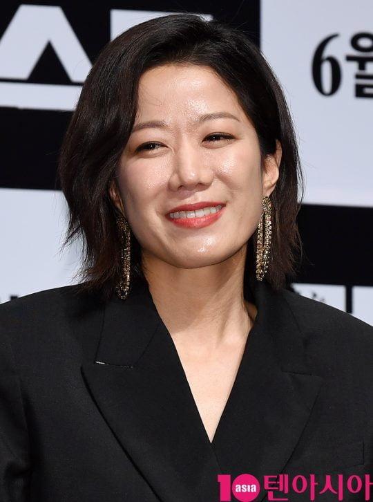 배우 전혜진이 30일 오전 서울 신사동 압구정 CGV에서 열린 영화 '비스트' 제작보고회에 참석하고 있다.