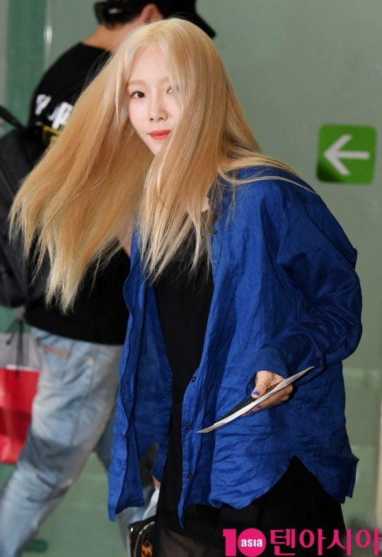걸그룹 소녀시대 태연이 30일 오후 솔로투어 'TAEYEON JAPAN TOUR 2019~Signal~' 콘서트 참석차 김포국제공항을 통해 일본으로 출국하고 있다.